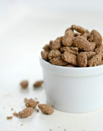 Cinnamon Sugar Almonds l SimplyScratch.com