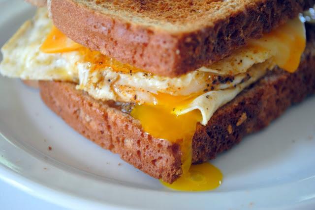 Hasil gambar untuk Fried Egg Sandwich