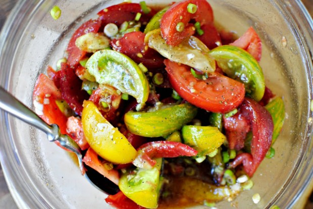 Balsamic Heirloom Tomato Salad l SimplyScratch.com
