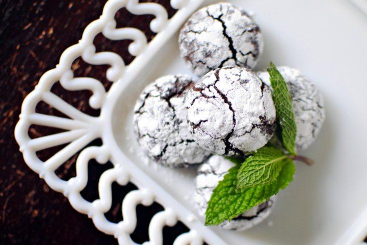 Dark Chocolate Mint Crackle Cookie