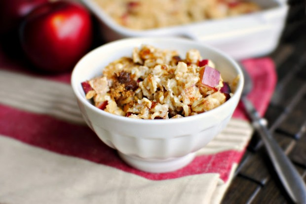 baked apple cinnamon oatmeal l simplyscratch.com