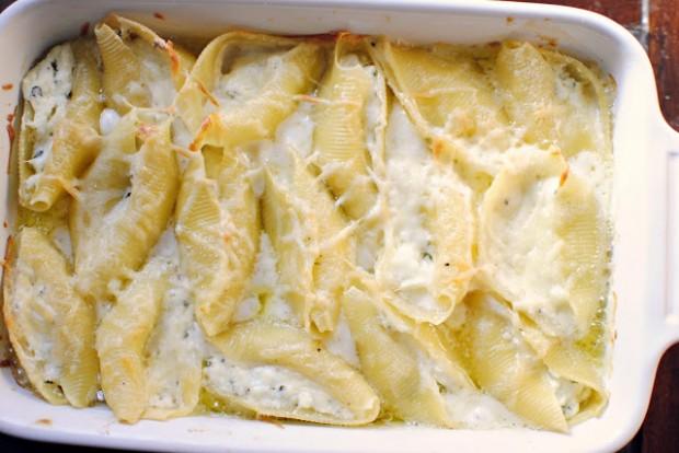Ricotta Stuffed Shells l SimplyScratch.com