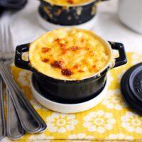 Individual Baked Mac & Cheese Pots
