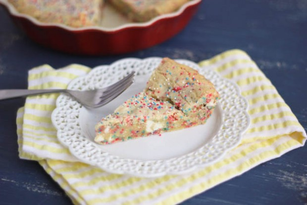 White Chocolate Confetti Cookie Pie Recipe l SimplyScratch.com