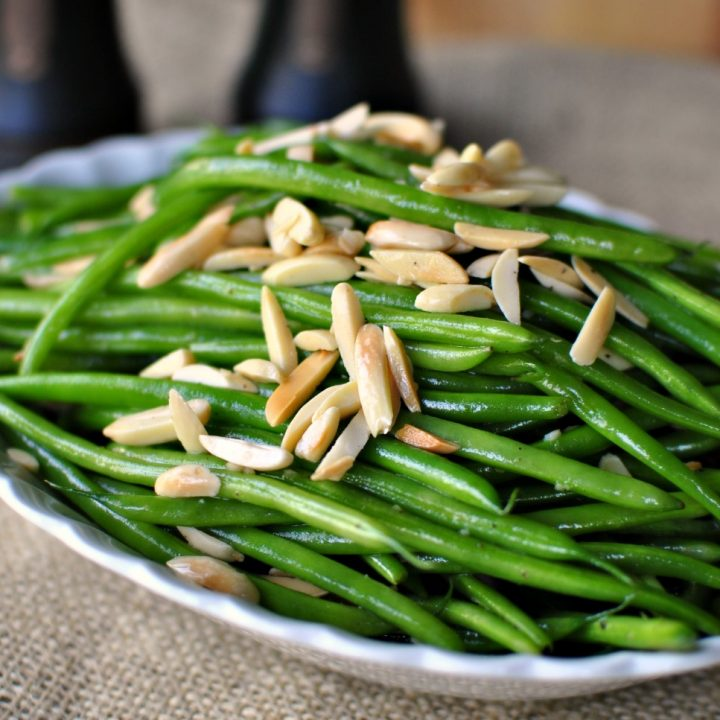Garlicky Green Bean Almondine