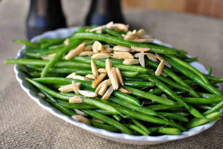 Garlicky Green Bean Almondine
