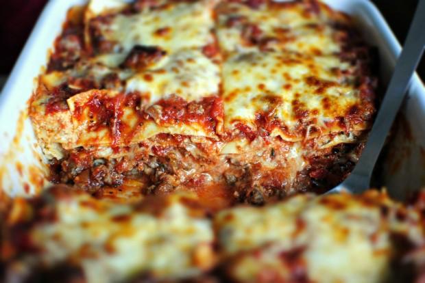 Classic Homemade Lasagna l SimplyScratch.com