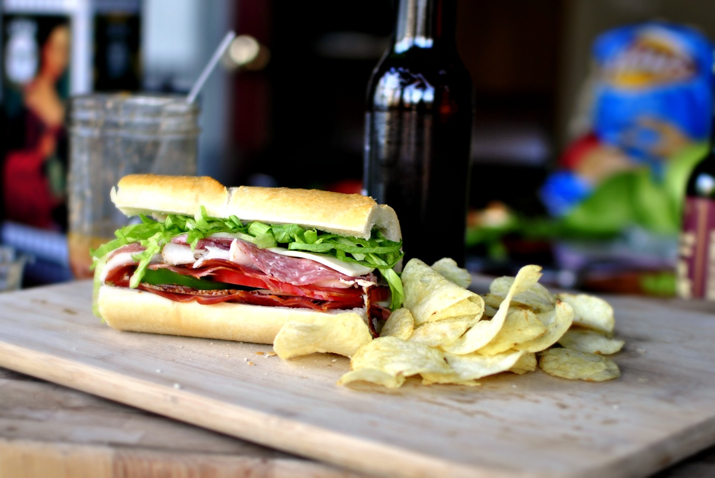 submarine sandwich and subs Quiznos sub sandwich restaurants are the home of the toasted sandwich other lunch food, sandwiches, subs, salads, soups, box lunches, catering, and other bold, toasty.