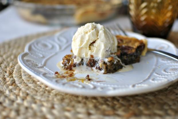 Nutella Pecan Pie l SimplyScratch.com