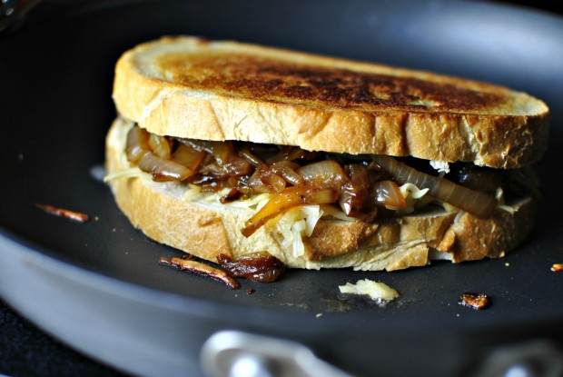 French Onion Soup Grilled Cheese Sandwich l SimplyScratch.com