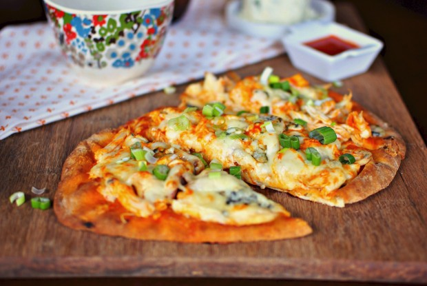 Buffalo Chicken Flat Bread Pizza -01
