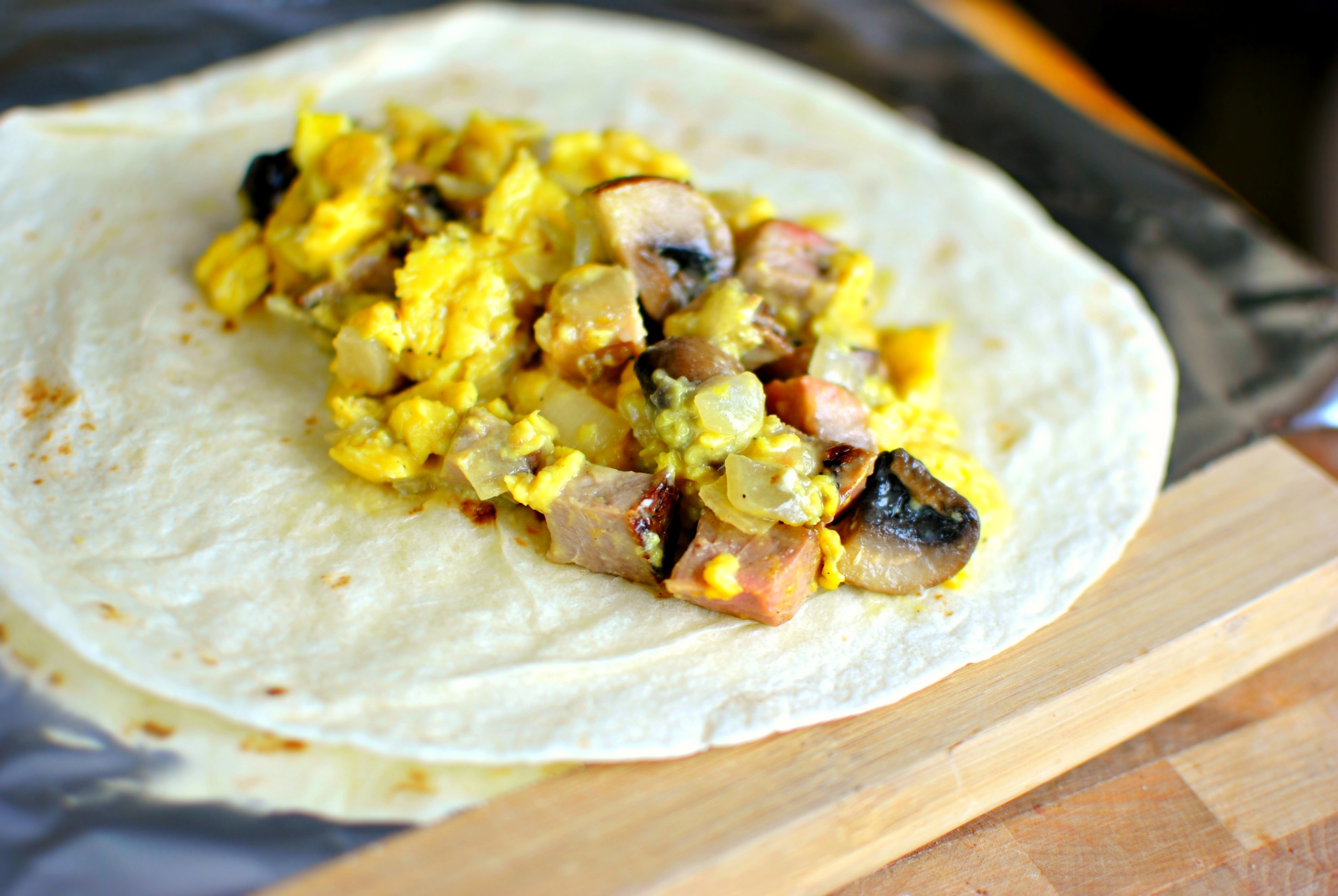 Warm up a few burrito-sized flour tortillas and spoon a healthy ...: http://www.simplyscratch.com/2013/04/steak-and-eggs-breakfast-burritos.html