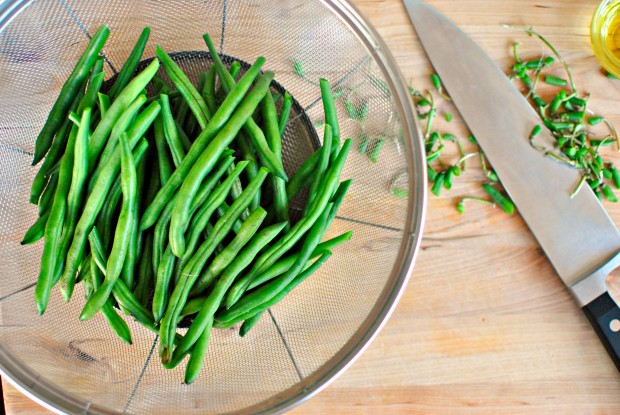 discard ends and place beans in strainer