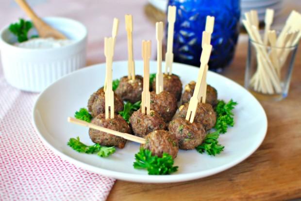 Mini Gyro Meatballs l www.SimplyScratch.com