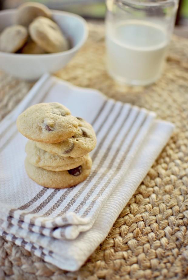 mini chocolate chip cookies l SimplyScratch.com