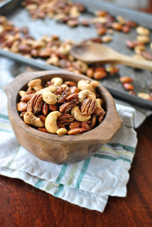 Rosemary Mixed Nuts l SimplyScratch.com