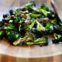 Best Roasted Broccoli l  www.SimplyScratch.com #easy #healthy #broccoli #sidedish