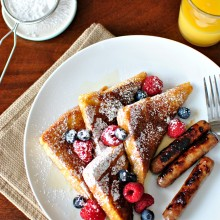 Cinnamon Sugar Crusted French Toast l www.SimplyScratch.com #berries #breakfast #brunch