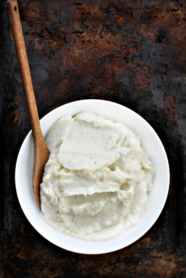 Creamy Whipped Cauliflower Mash - SimplyScratch.com #paleo #cauliflower