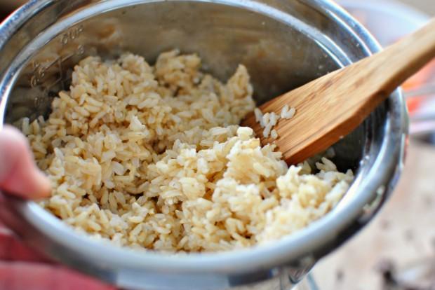 Southwest Black Bean Veggie Burgers www.SimplyScratch.com brown rice