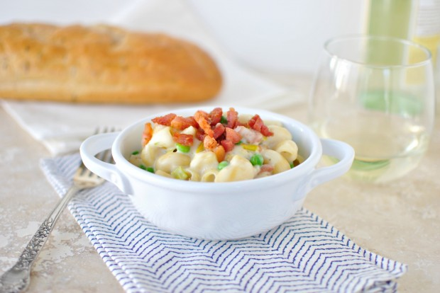 Creamy Pancetta, Leek and Pea Macaroni and Cheese l SimplyScratch.com