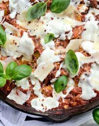 Easy Skillet Lasagna l SimplyScratch.com #skillet #lasagna #easy #recipe #onepan