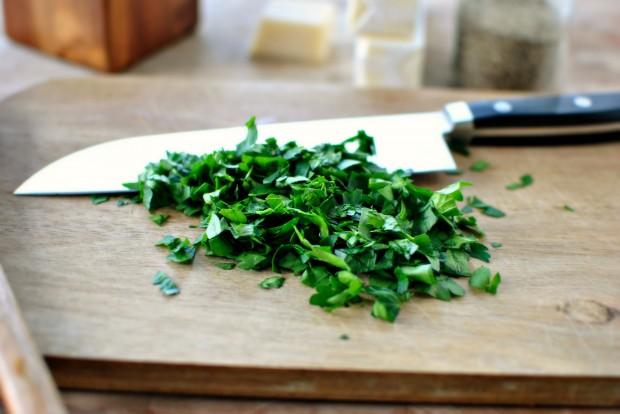 Roasted-Garlic Garlic Bread l www.SimplyScratch.com chopped parsley