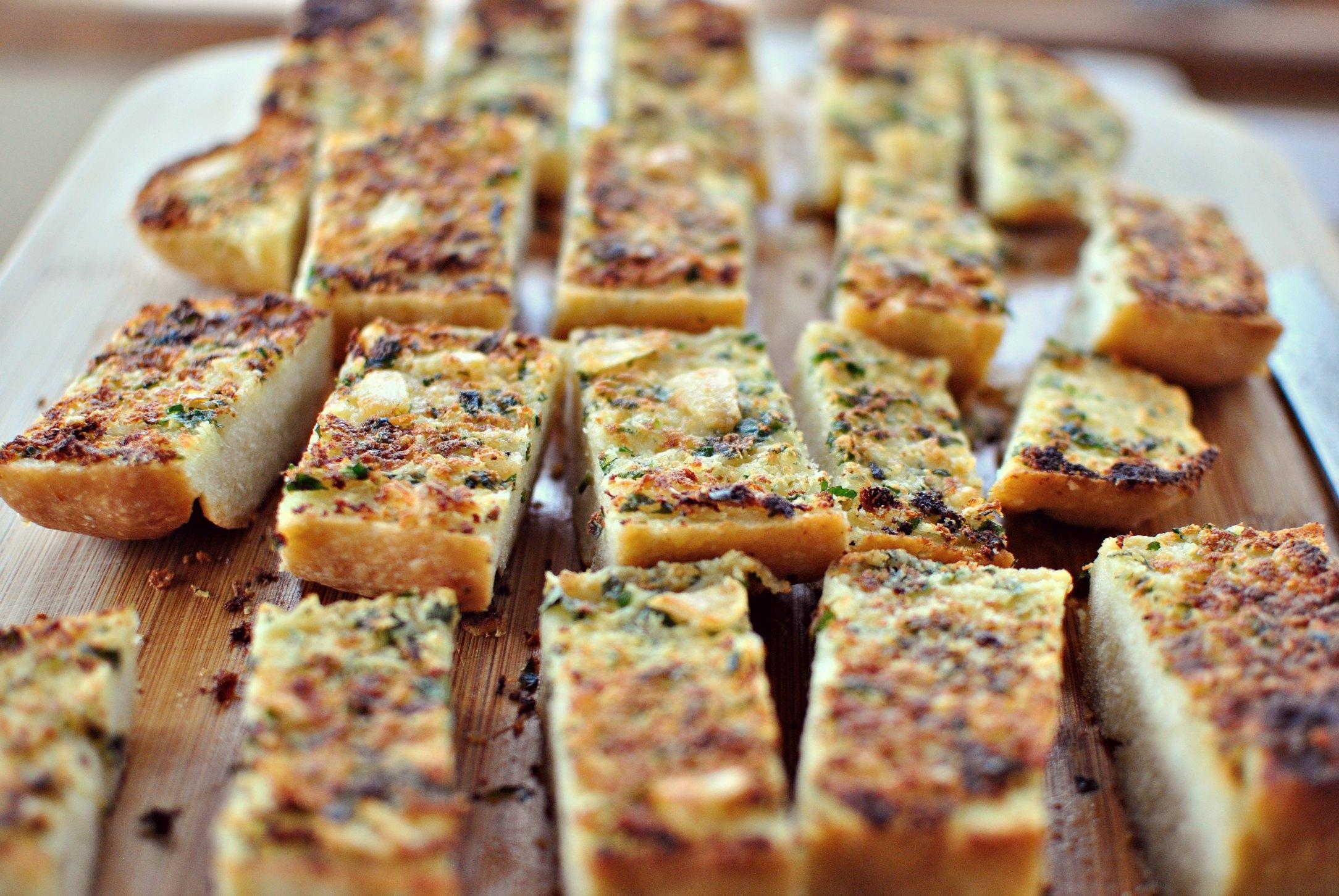 Simply Scratch Parmesan Roasted Garlic Bread - Simply Scratch