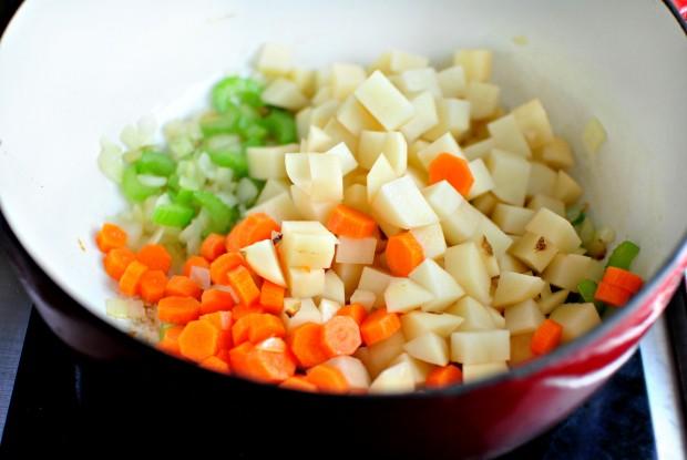 Turkey Pot Pie Soup l www.SimplyScratch.com potatoes and carrots