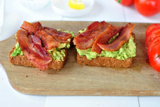 Bacon, Tomato + Avocado Smashed Toast l www.SimplyScratch.com bacon