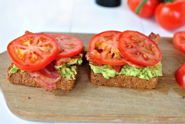 Bacon, Tomato + Avocado Smashed Toast l www.SimplyScratch.com tomatoes