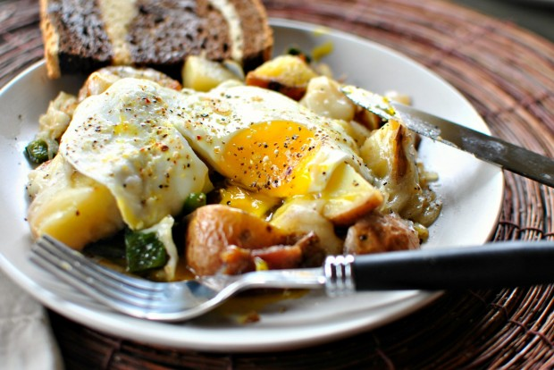 Bacon, Potato + Poblano Breakfast Skillet l www.SimplyScratch.com #breakfast #brunch #recipe