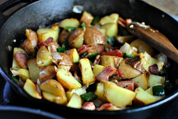 Bacon, Potato + Poblano Breakfast Skillet l www.SimplyScratch.com spread