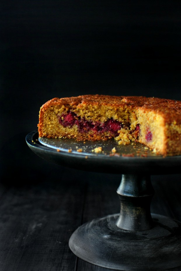 Honey Butter Blackberry + Lemon Polenta Cake via www.SimplyScratch.com #polenta #cake