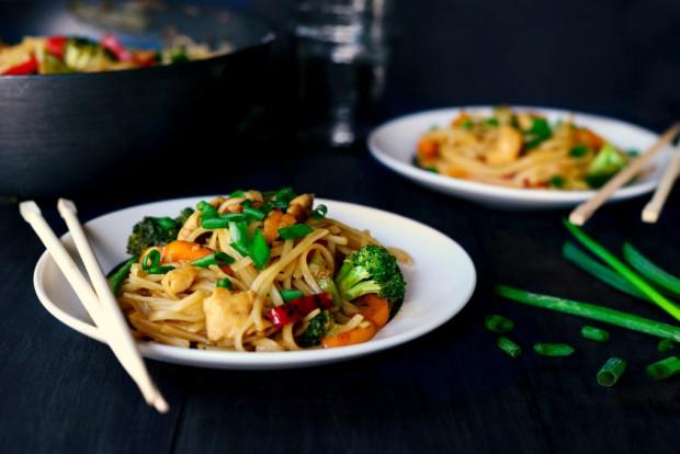 Honey Ginger Chicken Noodle Stir Fry via www.SimplyScratch.com #recipe