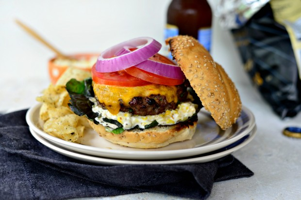 Jalapeno + Cheddar Burgers with Grilled Corn Mayo l www.SimplyScratch.com #burgerweek