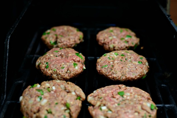Jalapeno + Cheddar Burgers with Grilled Corn Mayo l www.SimplyScratch.com grill