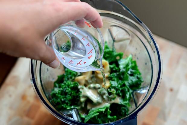 Roasted Garlic Kale Hummus l www.SimplyScratch (4)