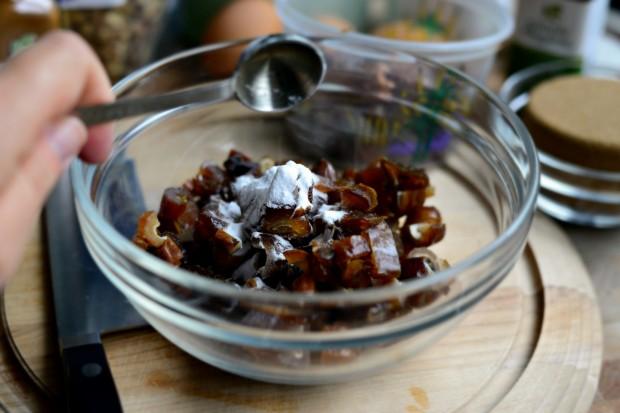 Walnut Date Bread l SimplyScratch.com (4)