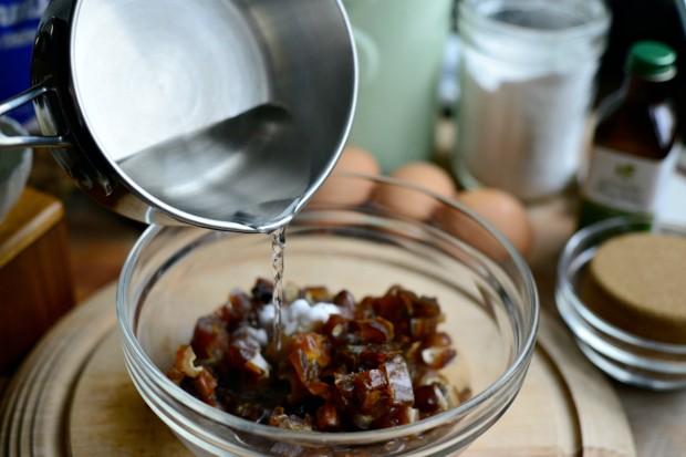 Walnut Date Bread l SimplyScratch.com (5)