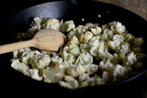 Skillet Parmesan Garlic Cauliflower l SimplyScratch.com (5)