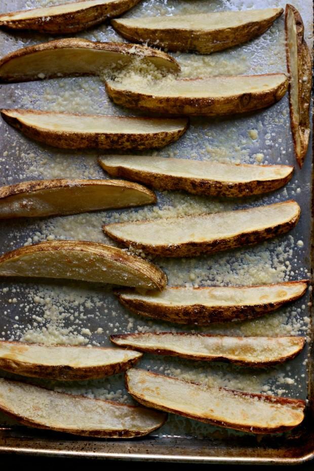 Black Pepper + Parmesan Frico Potato Wedges l SimplyScratch.com (07)