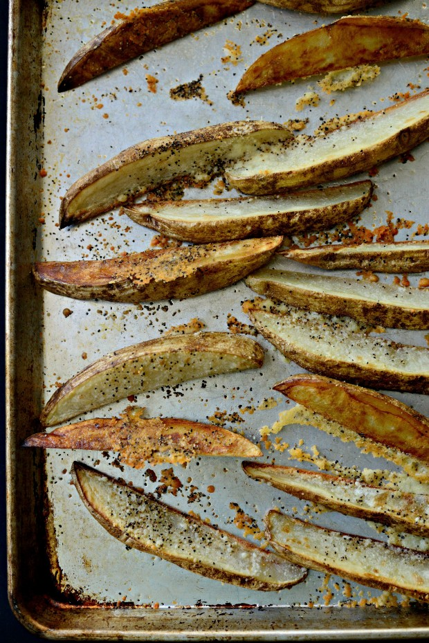 Black Pepper + Parmesan Potato Wedges ll SimplyScratch.com