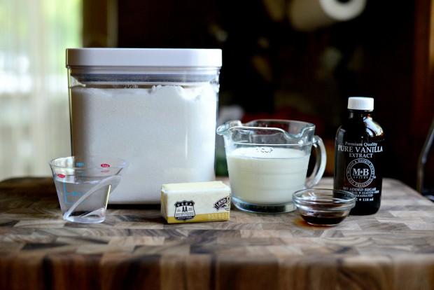 Homemade Caramel Sauce l SimplyScratch.com (1)
