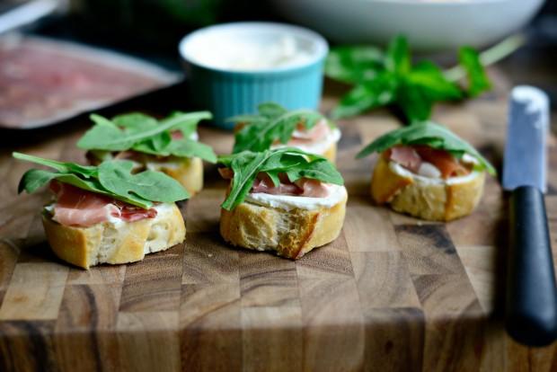 Peach, Prosciutto + Goat Cheese Crostini l SimplyScratch.com (10)