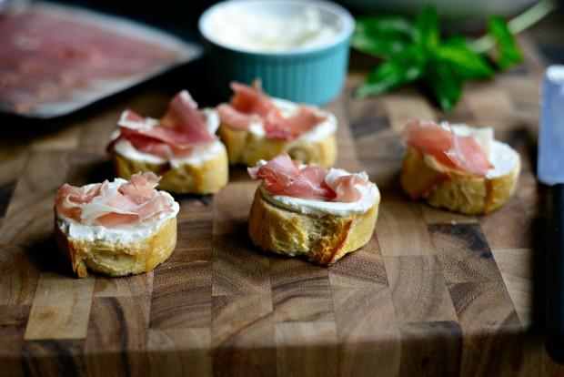 Peach, Prosciutto + Goat Cheese Crostini l SimplyScratch.com (9)