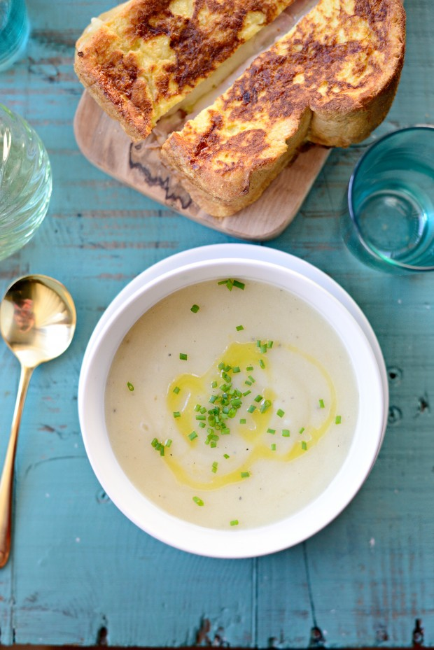 Roasted Garlic Potato Soup l SimplyScratch.com
