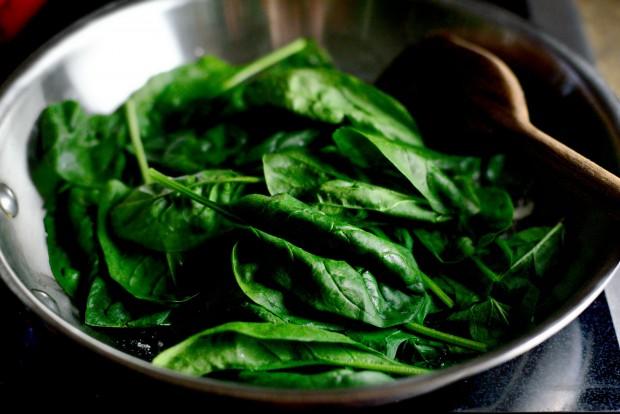 Twice Baked Spinach + Parmesan Acorn Squash l SimplyScratch.com (18)