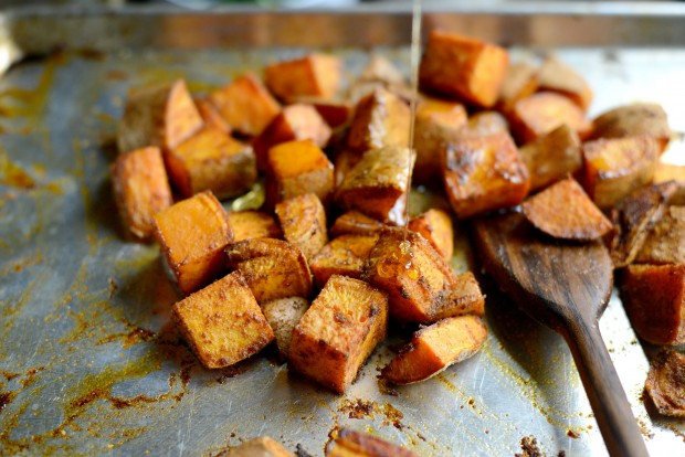 Smoky Sweet Roasted Sweet Potatoes l SimplyScratch.com (12)