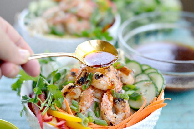 Grilled Shrimp Spring Roll Noodle Bowls l SimplyScratch.com (7)